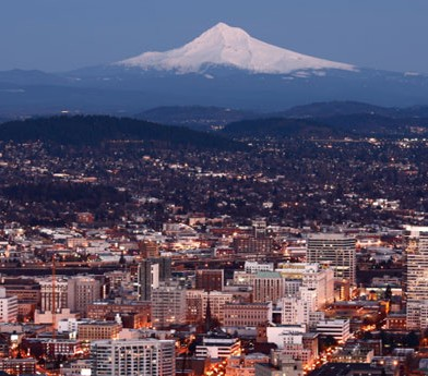 city view of mount rainier