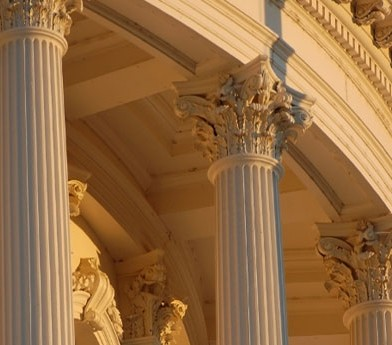 columns on California state capitol building